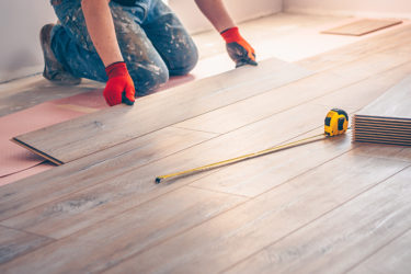 短い工期でコスパに優れる床リフォームの実例